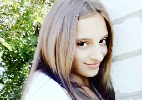 【閲覧注意】例のウクライナ美少女の無修正画像・・・・・