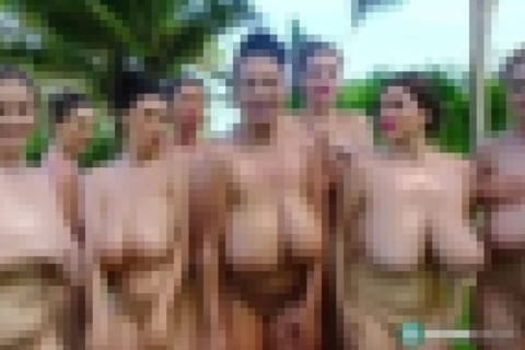 【動画】巨乳女性8人が全裸になった結果…悲しい現実をご覧ください
