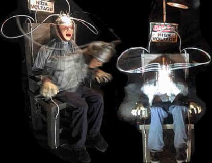 【閲覧注意】電気を流され続けた人間はこうなる(動画あり)