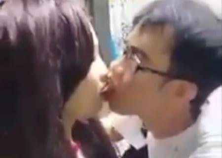 【動画】童貞のチー牛さん、女子高生に5千円渡し30秒ディープキスしてしまう…