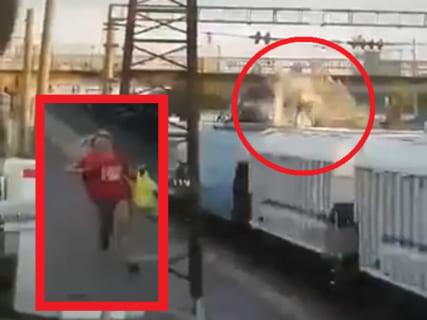 【衝撃】電車の上でイキってたDQN、一瞬で黒焦げになり死亡 ⇒ 彼女の反応が…(動画)