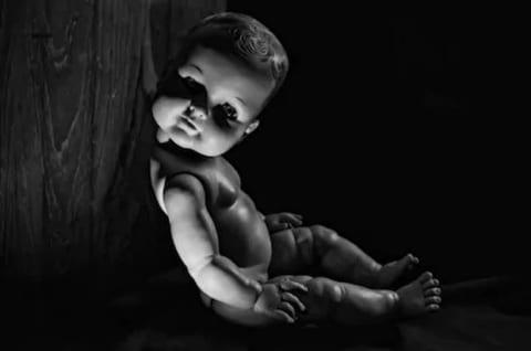 【閲覧注意】元気に生まれた赤ちゃん、4日後に全身がこうなり母親は絶望した