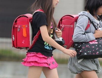 【閲覧注意】学校帰りの女子小学生を見てオナニーしてた結果・・・!(動画あり)