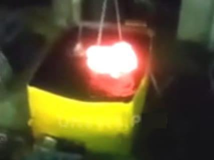【驚愕】1000℃・1mの鉄球を1万ℓの水の中に入れたらこうなる!!(動画)