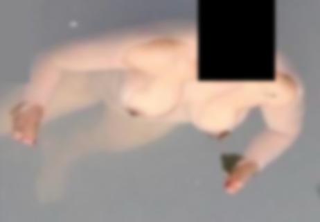 【閲覧注意】川に全裸の女が浮いてるんだが、ちょっと闇が深すぎる(画像)