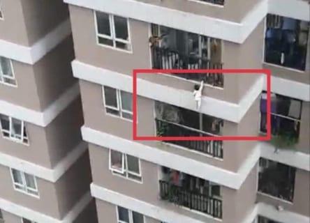【衝撃映像】マンション12階から赤ちゃん転落 ⇒ マジでヤバい奴が現れるwwww