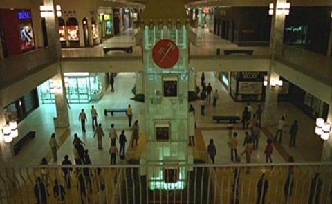 【閲覧注意】最恐のいわくつきショッピングモール、爆誕