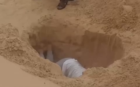 【閲覧注意】ISISの超最新動画… ヤバすぎ…