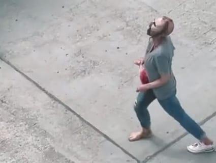 【閲覧注意】アメリカでゾンビ(女)が発見され、逮捕される。動画がヤバすぎる