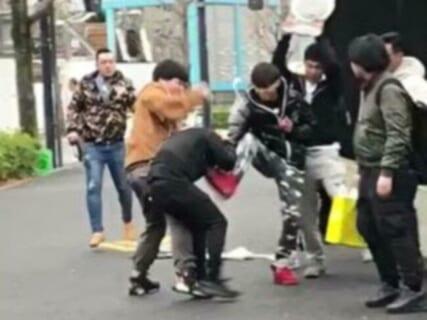【衝撃】街中で陰キャに喧嘩売ったDQN5人組 ⇒ この後5人が重傷を負わされます…(動画)