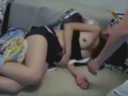 【動画あり】この女の子。レ●プされても仕方ないわ・・・・・