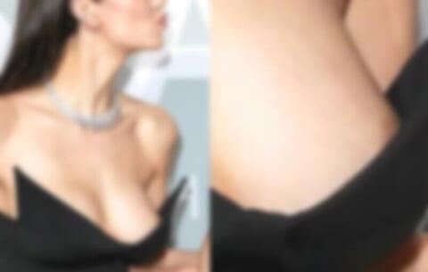 【朗報】あの美人女優、イベントで乳首ポロリしてしまう…(画像あり)