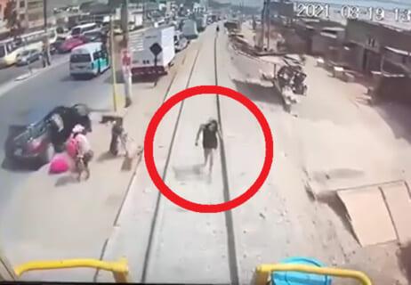 【閲覧注意】この前の人身事故(24歳女)の動画、流出。これはヤバい