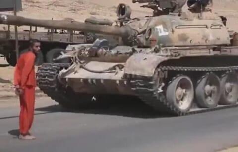 【閲覧注意】ISIS、自分たちがやってた処刑方法をやり返される・・・(動画あり)
