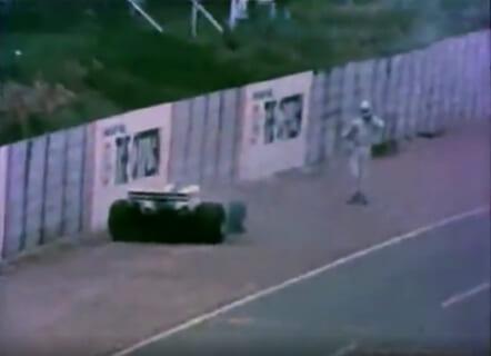 【閲覧注意】時速300kmの車に撥ねられた人間の動き、ありえない・・(動画あり)